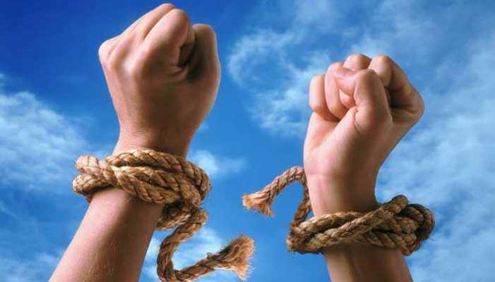 Comment briser les attaques psychiques et les chaînes occultes dans votre vie?
